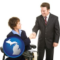 michigan map icon and a court reporter shaking hands with an attorney