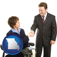 missouri map icon and a court reporter shaking hands with an attorney